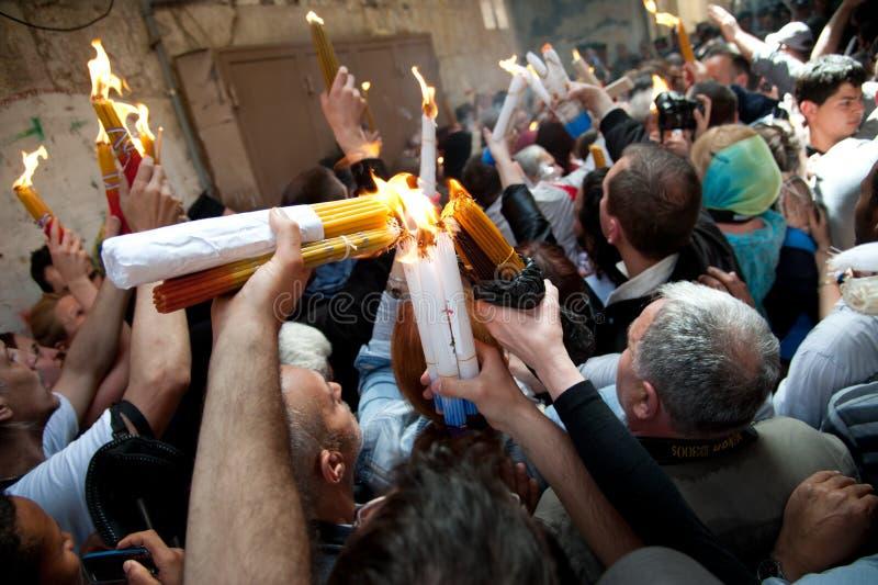 Os cristãos de Jerusalem comemoram o incêndio santamente fotos de stock royalty free
