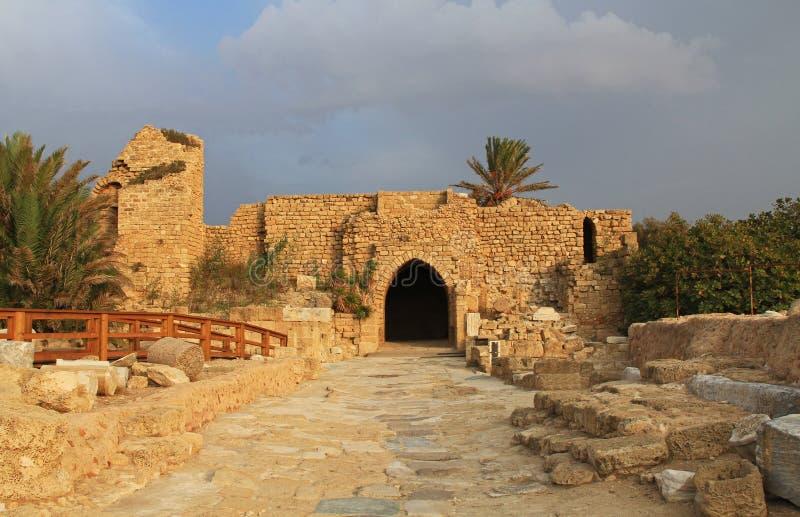 Os cruzados bloqueiam no parque nacional de Caesarea Maritima fotos de stock