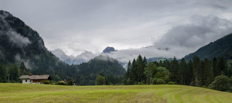 Os cumes, Salzburgerland, Áustria imagem de stock