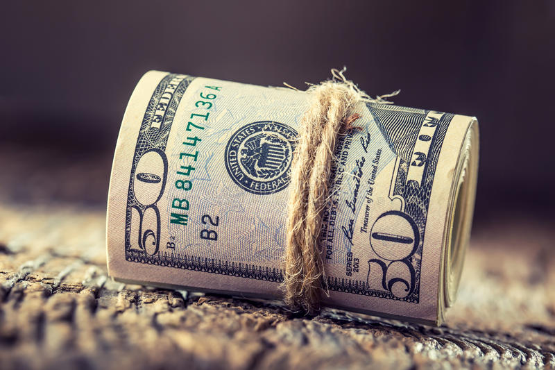 Os dólares rolaram o close up das cédulas Dólares do americano do dinheiro do dinheiro Opinião do close-up da pilha de dólares am imagens de stock royalty free