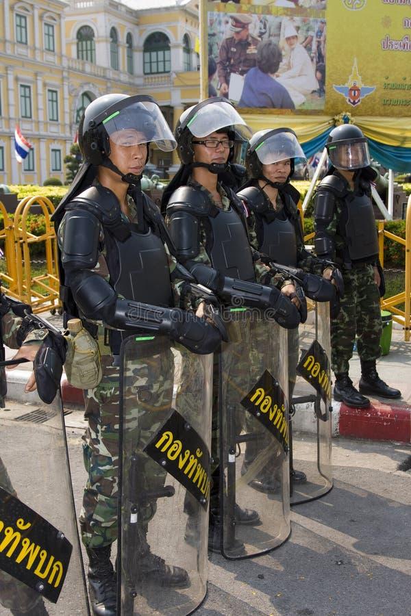 Os demonstradores convirgiram no capital tailandês fotos de stock
