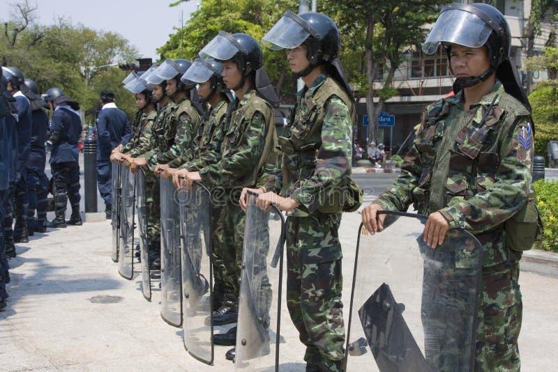 Os demonstradores convirgiram no capital tailandês imagem de stock