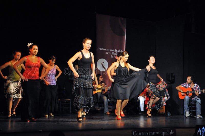 Os desempenhos dos dançarinos na arte do flamenco do ` de Merced do La do ` centram-se em Cadiz imagem de stock royalty free