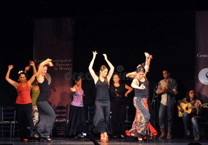 Os desempenhos dos dançarinos na arte do flamenco do ` de Merced do La do ` centram-se em Cadiz imagem de stock