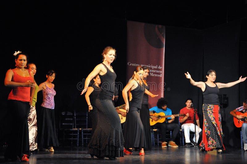 Os desempenhos dos dançarinos na arte do flamenco do ` de Merced do La do ` centram-se em Cadiz fotografia de stock royalty free
