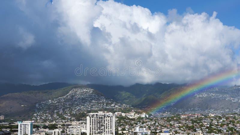 Os desenvolvimentos de Manoa e de Palolo perto de Waikiki encalham, Honolulu, ilha de Oahu, Havaí, EUA fotos de stock
