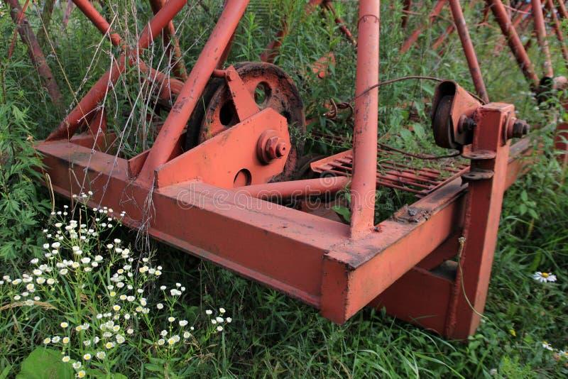 Os detalhes velhos e corroídos do metal de guindastes de torre fotos de stock