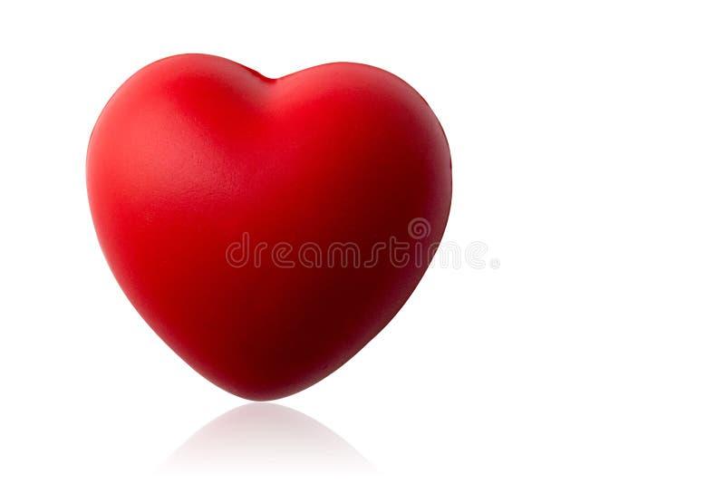 Os Di cortaram o coração vermelho no fundo branco, espaço da cópia fotos de stock