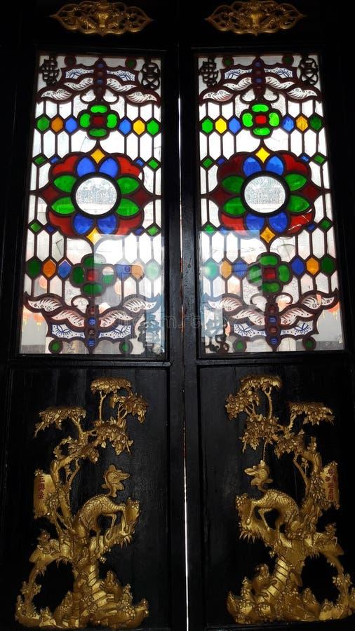 Os dias olden e a porta olden na cidade famosa imagem de stock royalty free