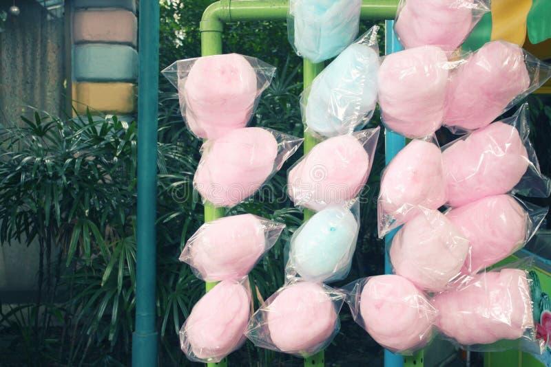 Os doces gostam de um algodão doce, colorido, foto de stock