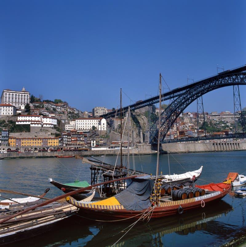 Os DOM Luis 1 ponte em Porto, Portugal fotografia de stock