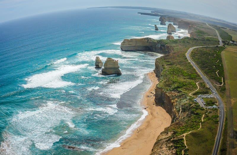 Os doze apóstolos & a grande estrada do oceano imagens de stock royalty free