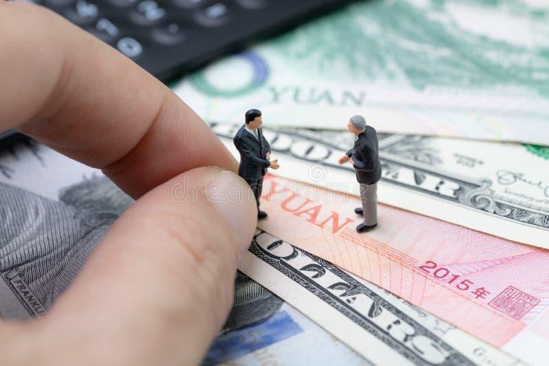 Os EUA e China arranjam a reunião para o negotiati da guerra comercial e da tarifa imagem de stock royalty free