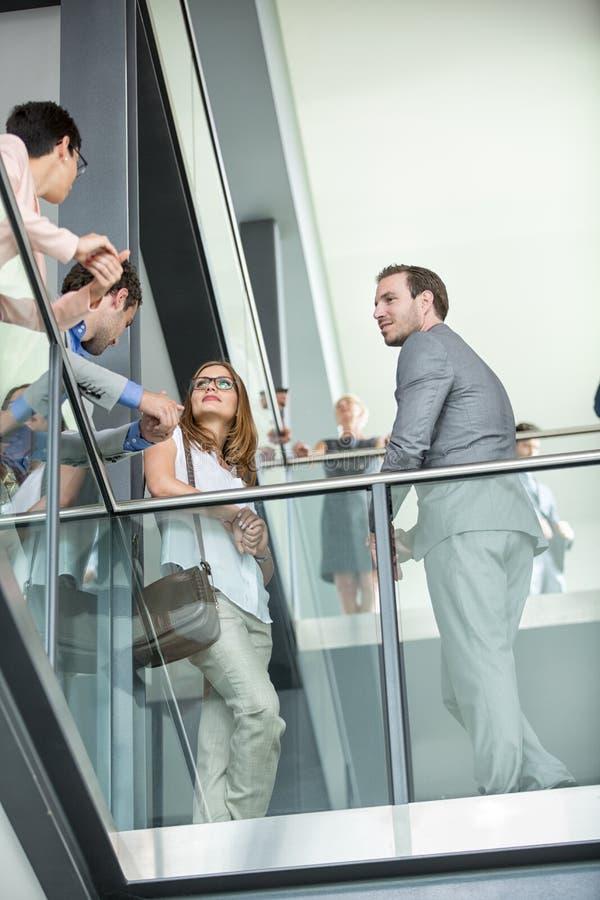 Os executivos novos têm a reunião imagem de stock royalty free