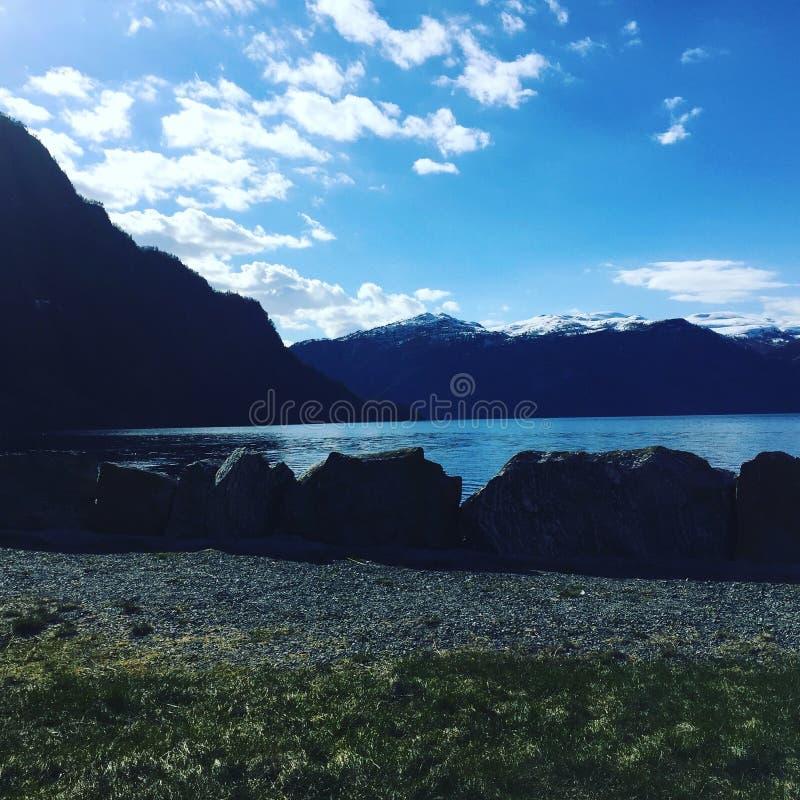 Os fiordes de Noruega foto de stock royalty free