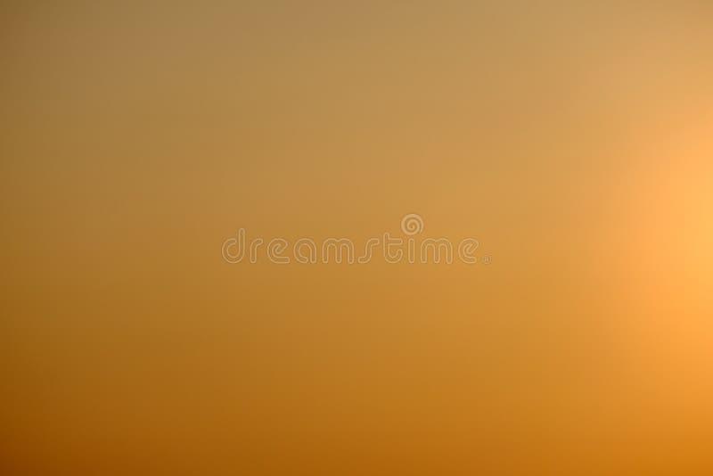 Os fundos da mola natural criam cores macias claras e a luz do sol brilhante um o curto período de tempo antes do por do sol fotografia de stock royalty free