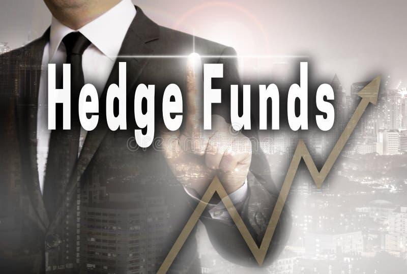 Os fundos de cobertura são mostrados pelo conceito do homem de negócios imagens de stock royalty free