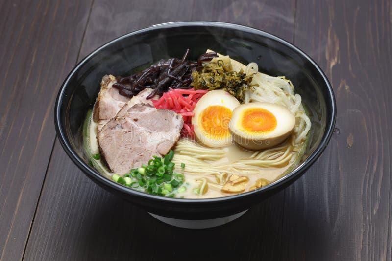 Os japoneses ramen macarronetes imagens de stock royalty free
