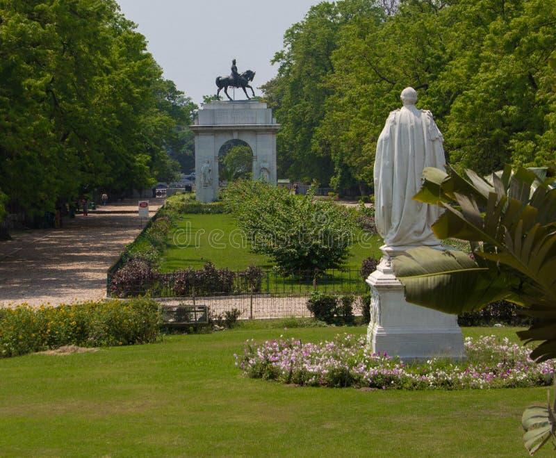 Os jardins de Victoria Memorial em Kolkata fotografia de stock royalty free