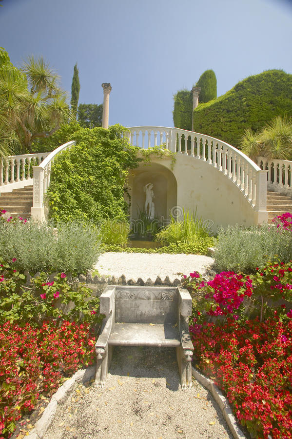 Os jardins e a Casa de campo Ephrussi de Rothschild, Saint Jean Cap Ferrat, França imagem de stock royalty free