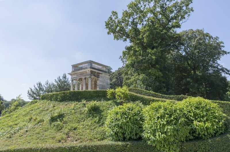 Os jardins em Brodsworth Salão, Doncaster, Inglaterra foto de stock