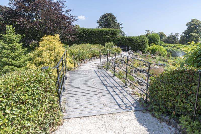 Os jardins em Brodsworth Salão, Doncaster, Inglaterra imagem de stock royalty free