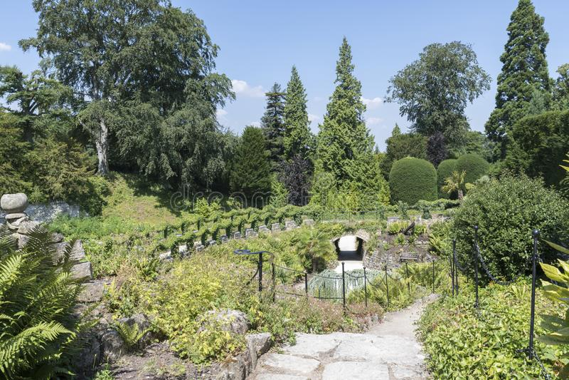 Os jardins em Brodsworth Salão, Doncaster, Inglaterra fotografia de stock royalty free
