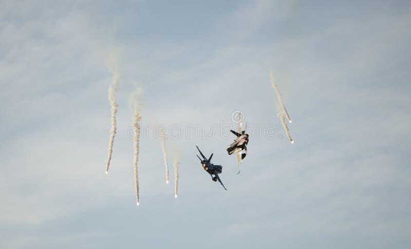 Os jatos de RMAF disparam em alargamentos na expo de LIMA imagens de stock royalty free