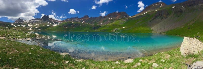 Os lagos de turquesa se a bacia Colorado dos lagos ice imagem de stock royalty free