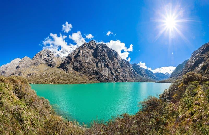 Os lagos Llanganuco imagem de stock