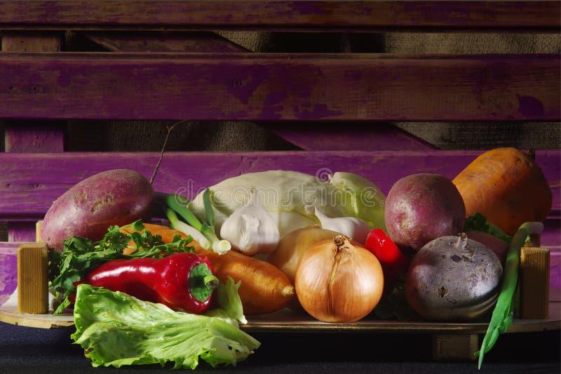 Os legumes sempre frescos são mais úteis no formulário cru! fotografia de stock royalty free