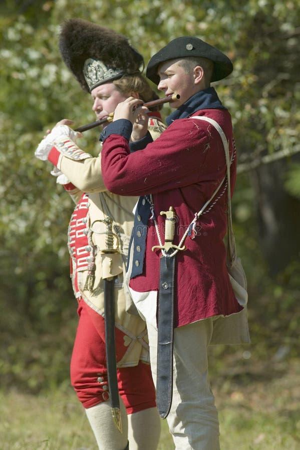 Os músicos do pífano e do cilindro executam na plantação de Endview (cerca de 1769), perto de Yorktown Virgínia, como parte do 22 fotografia de stock royalty free