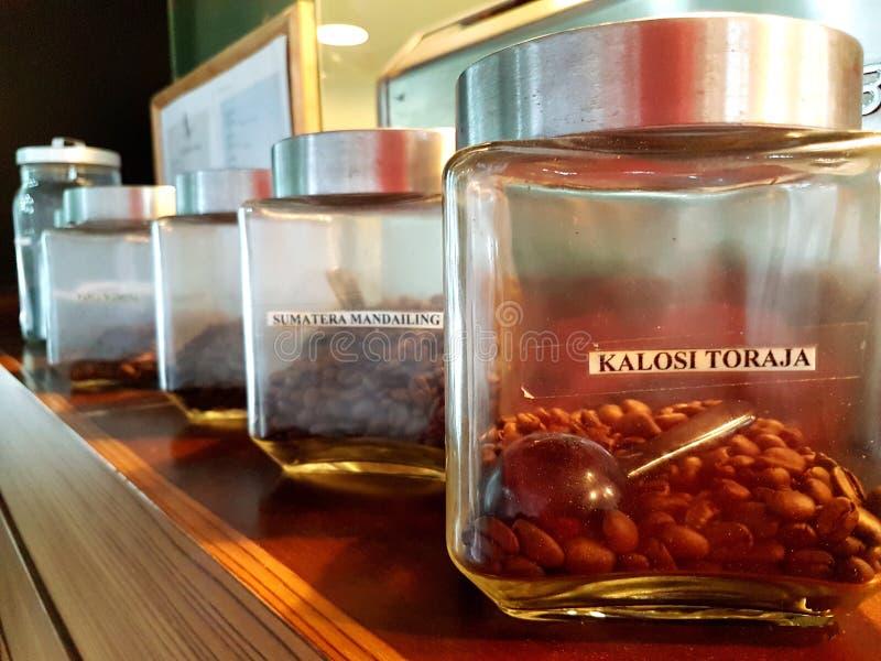 Os melhores feijões de café no frasco fotografia de stock