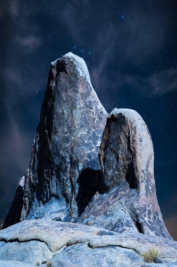 Os montes de Alabama das bruxas velhas na noite foto de stock