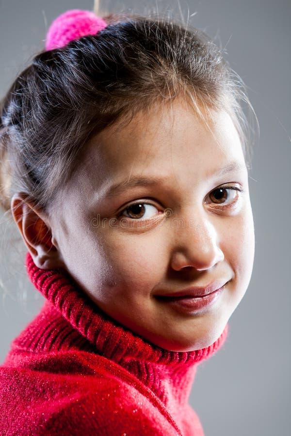 Os olhos da menina fecham-se acima do retrato fotos de stock royalty free