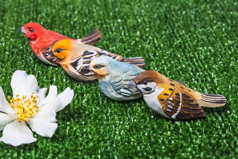 Download Os pássaros imagem de stock. Imagem de nave, campo, outdoor - 29844009