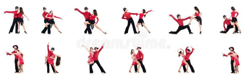 Os pares de dançarinos isolados no branco foto de stock