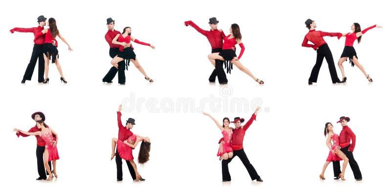 Os pares de dançarinos isolados no branco imagens de stock