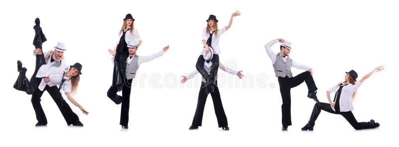 Os pares de dançarinos que dançam danças modernas foto de stock