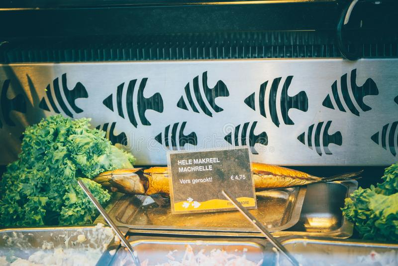 Os peixes fumados levam embora na Holanda imagem de stock royalty free