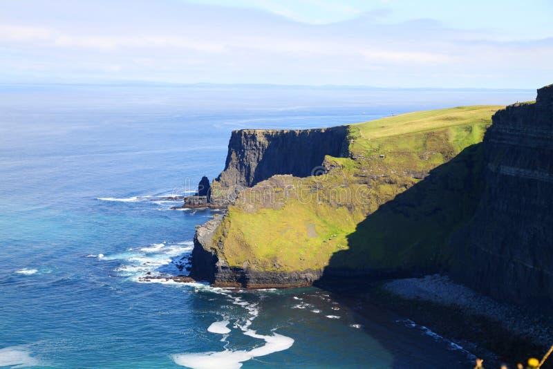 Os penhascos da Irlanda de Moher imagens de stock royalty free
