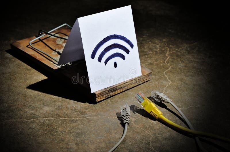Os perigos de Wi-Fi livre fotografia de stock
