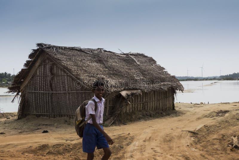 Os pescadores abrigam na lagoa de Kalpitiya, Sri Lanka fotografia de stock royalty free