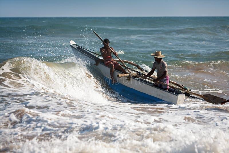 Os pescadores vão ao oceano foto de stock royalty free