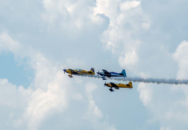 Os planos do conluio executam no festival aéreo de Michigan fotografia de stock royalty free