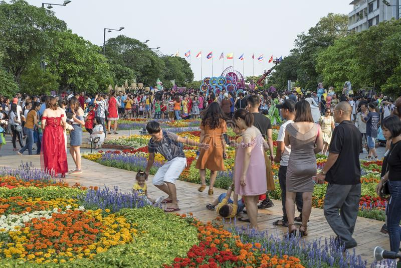 Os povos vietnamianos comemoram o ano novo de Tet em Ho Chi Minh City foto de stock