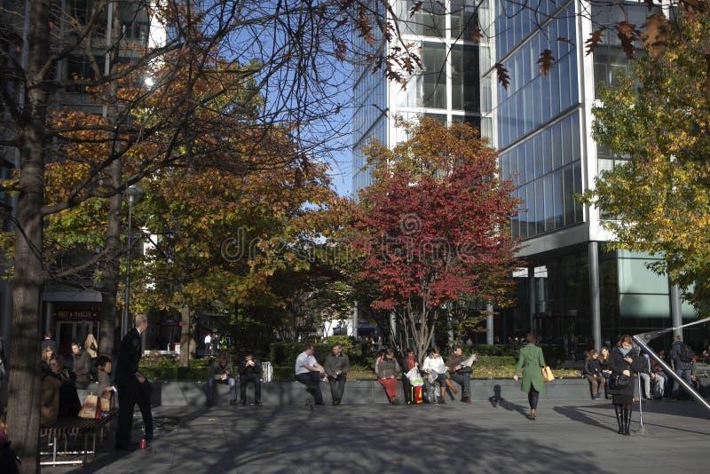 Os prédios de escritórios da área da cidade apenas fora de Bishopsgate perto da estação da rua de Liverpool fazem parte da regene fotos de stock royalty free