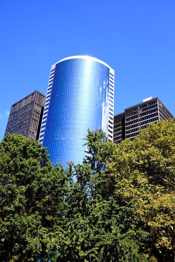 Os prédios de escritórios do arranha-céus no Lower Manhattan fotos de stock royalty free
