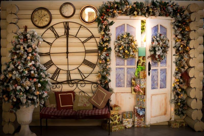 Os presentes do Natal dirigem a decoração fotografia de stock royalty free
