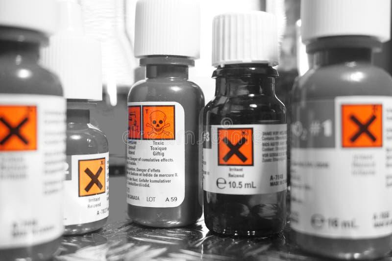 Os produtos químicos engarrafam A fotografia de stock royalty free